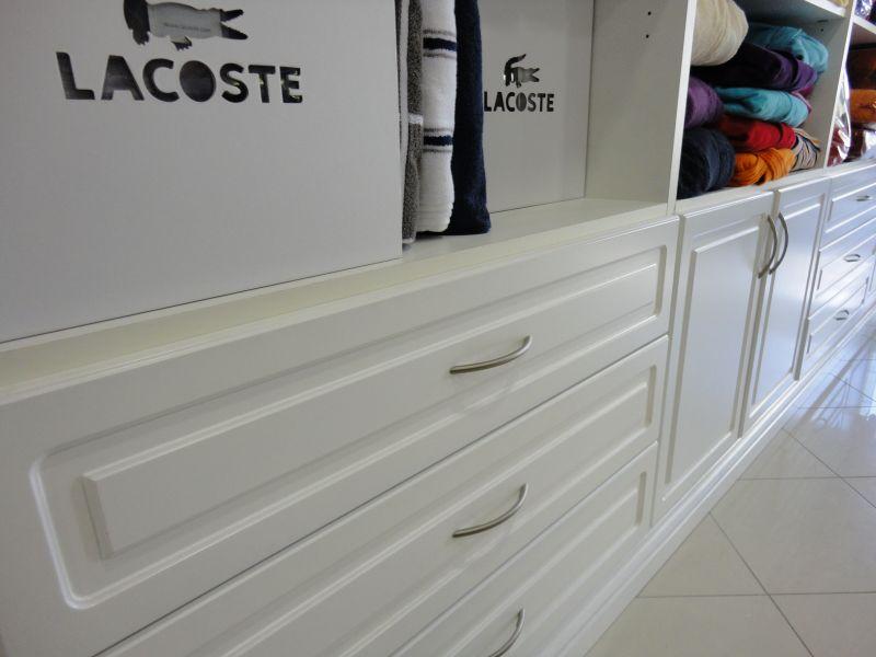 Arredamento negozio di biancheria garnero design for Carnero arredamenti