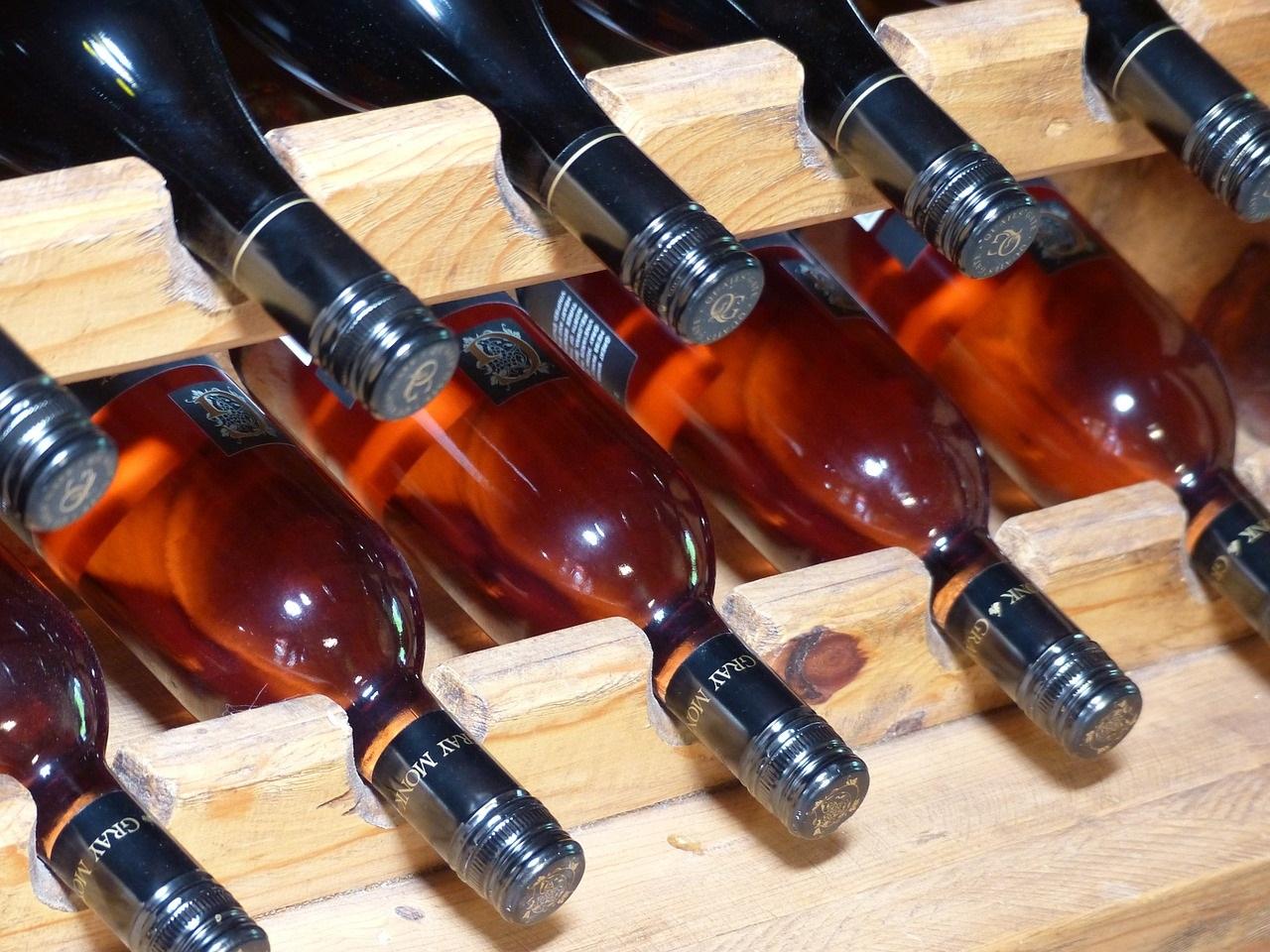 Arredamento cantine garnero design for Arredamento cantina vino